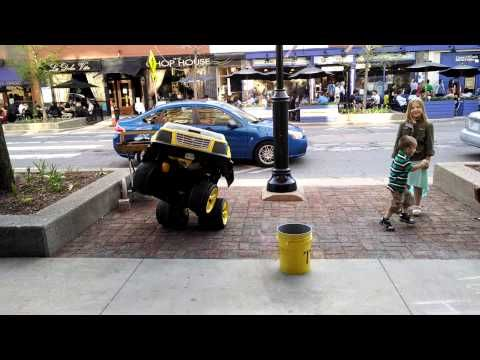 Street Performer Is a Human Transformer (Video) - Daily Picks and Flicks