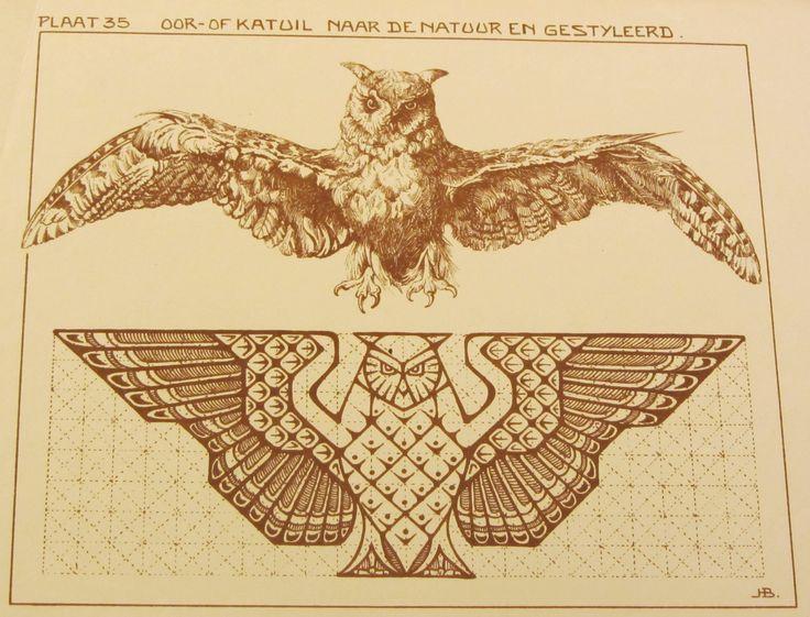 Plaat 35, oor- of katuil, naar de natuur en gestyleerd. In: Het styleeren en toepassen van natuurvormen in vlakornament / J.H. Boot. - Amsterdam : Ahrend, [192?]. #ArtNouveau Available in library TextielMuseum #owl #bird