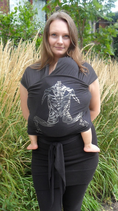 Babywearing. Muscle Machine: Little D's Stretchy Wrap Baby Carriers