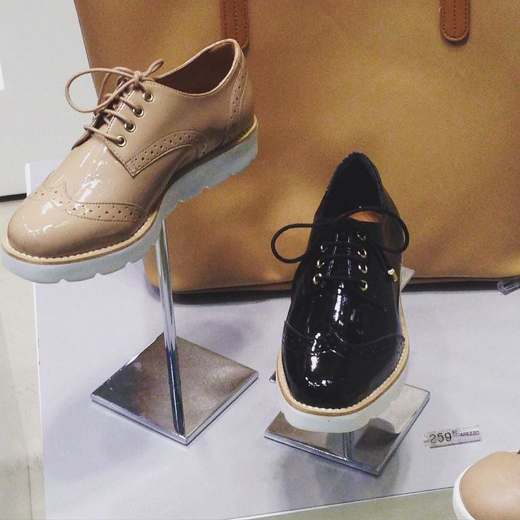 Apenas morri com esses oxfords da @arezzo 25990 no shopping da Bahia! #achados #achadosdalua #achadinhos #trend #oxford #shoes #arezzo #arezzomania #moda #fashion #salvador #bahia # by achadosdalua