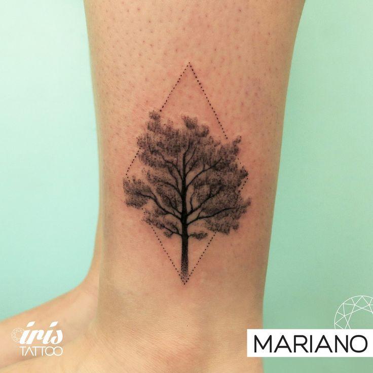 iristattooart#tattoo #tattooed #tattoolife #tatuaje #tattooartist #tattoostudio #tattoodesign #tattooart #customtattoo #ink #wynwoodmiami #wynwoodlife #wynwoodart #wynwoodwalls #wynwood #wynwoodtattoo #miamiink #miamitattoo #tattoomiami #buenosaires #buenosairestattoo #tattoobuenosaires #palermo #palermotattoo #dotworktattoo #blackworktattoo