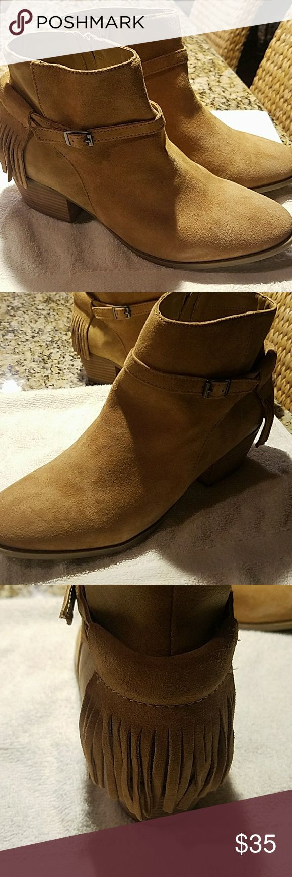 AMERICAN EAGLE BOOTIES AMERICAN EAGLE Outfitters booties new without tags size 10 American Eagle Outfitters Shoes Ankle Boots & Booties