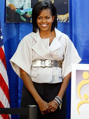 Google Image Result for http://img2.timeinc.net/instyle/images/2009/GalxMonth/07/070109-michelle-obama-300.jpg