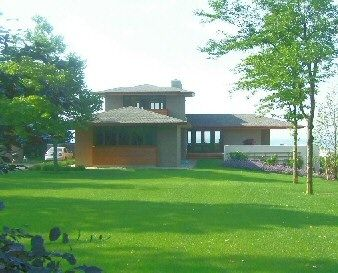 prairie style house | pioneered by frank lloyd wright prairie style houses revolutionized ...
