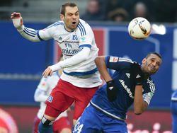 Pierre-Michel Lasogga (l.) kämpft um den Platz im HSV-Sturm
