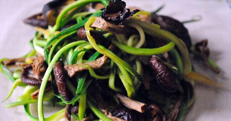 Vegan Kitchen: Spaghetti Di Zucchina Ai Funghi Con Tartufo Nero