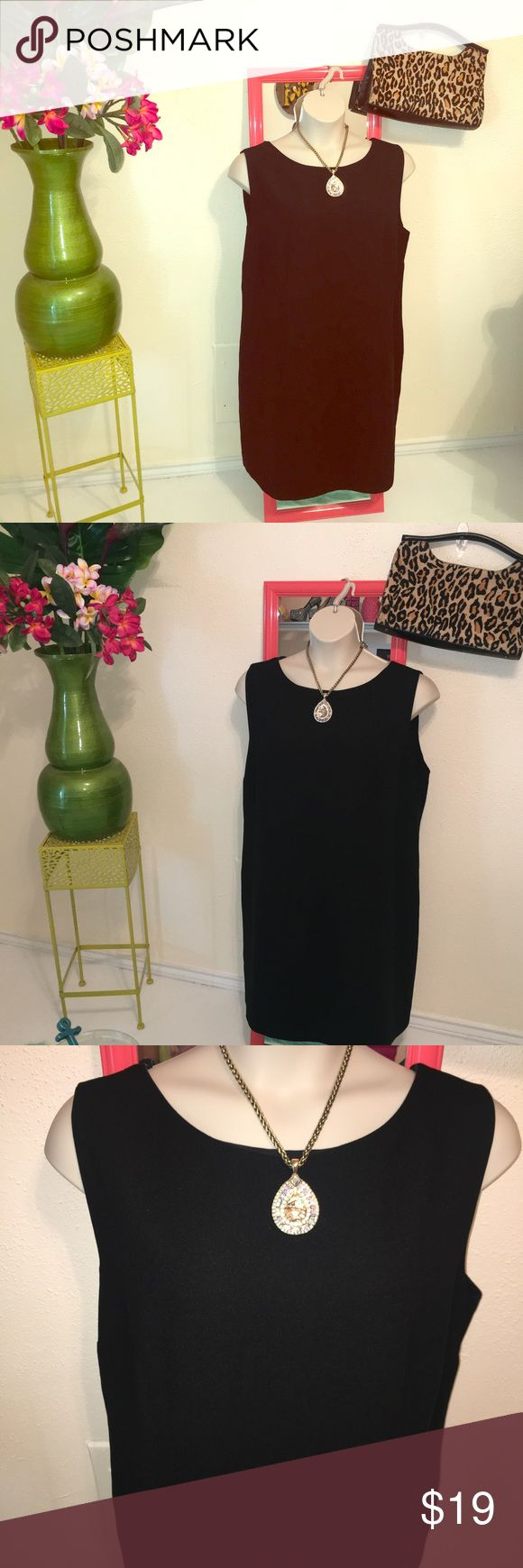 Karen Scott EUC black sheath dress 22W LBD A great black sleeveless sheath dress,  this would work well under a blazer or alone...in excellent condition size 22 from Macy's. Simple and easy, gr at with some statement jewelry and shoes to make it pop! Karen Scott Dresses Midi