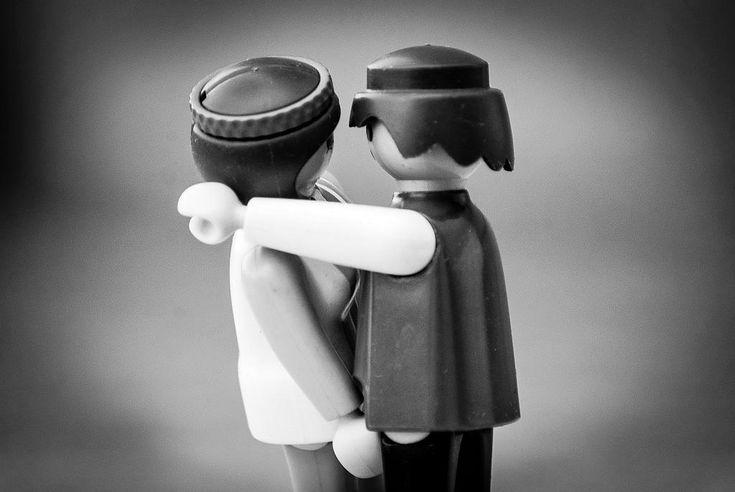International Kissing Day: Immer am 6. Juli feiert man diesen in Großbritannien begründeten Internationalen Tag des Kusses. Hurra für das Knutschen. :-)