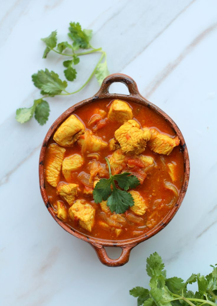 Weeknight Chicken Curry - easy recipe with few ingredients, minimal spices, and ready in less than 45 minutes.