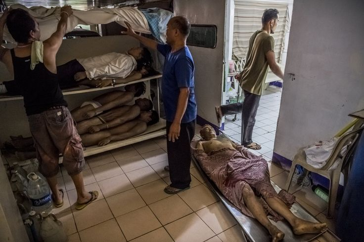 Daniel Berehulak's gripping coverage in The New York Times of state-sanctioned killings in the Philippines was awarded the Pulitzer Prize for breaking news.