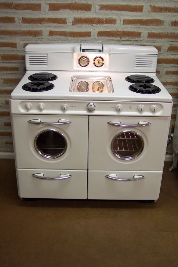 Antique Vintage Refrigerator Oh My I Would Make This Oven So Hy Mco435 Retrofever Stuckinthepast In 2018 Pinterest Stoves