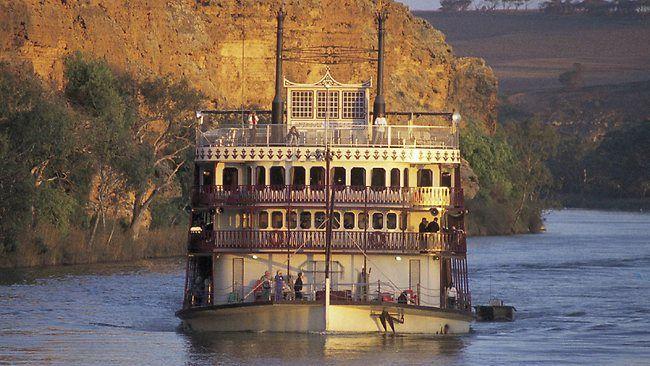 Murray River Paddlesteamer cruising up the river