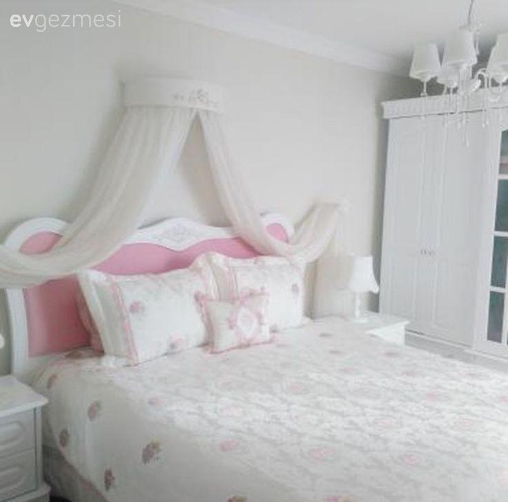 Pembe, Yatak Odası, Yatak örtüsü, Yatak tacı