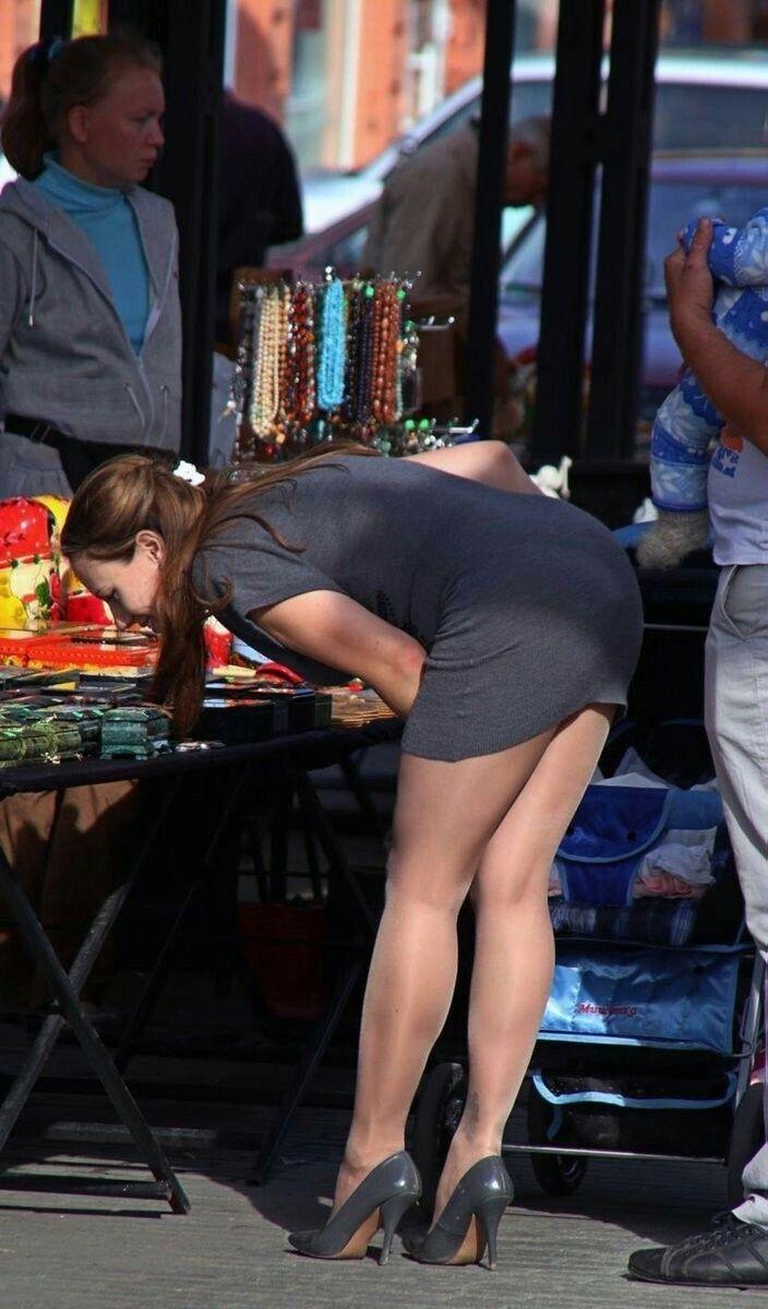 бабы в коротких юбках нагнулись фото страница мастурбирующие