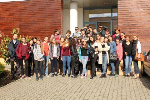 Elevii de la Liceul de Arte Plastice, în excursie la Muzeul Traian Vuia   Tourism Banat