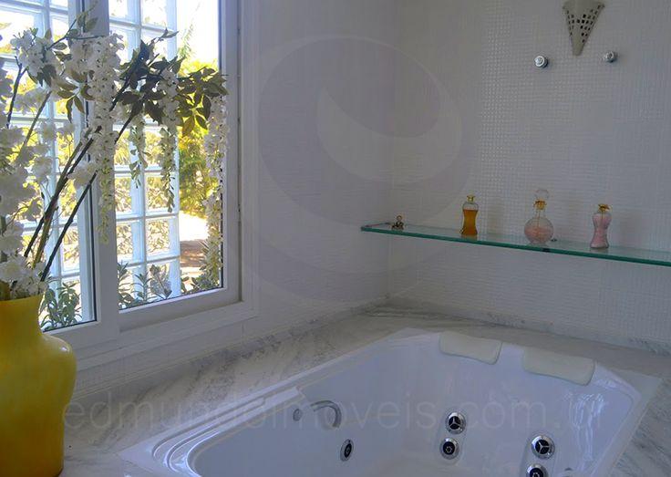 17 melhores ideias sobre Banheira Hidromassagem no Pinterest  Banheira de hi -> Banheiro Com Banheira Dimensões