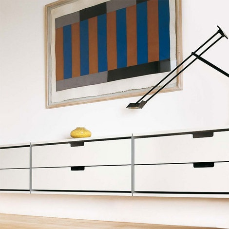Vitsoe-Clean and Modern I love the vintage Danish Consoles but they draw so much attention the themselves. Wall Art, Dieter Rams, Living Rooms, Shelves System, 606 Universe, Vitsoe Shelves, Universe Shelves, Bedrooms, Room Shelves