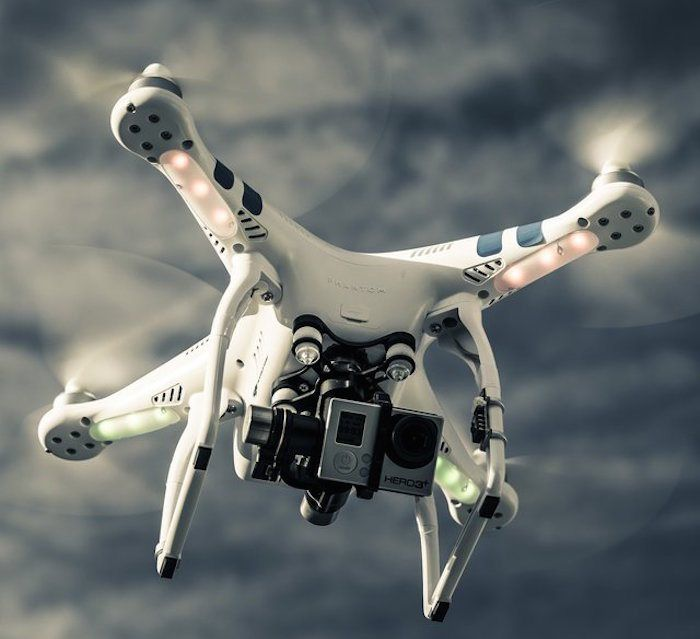 With flying times lasting up to 22 minutes at a time, the DJI Phantom 2