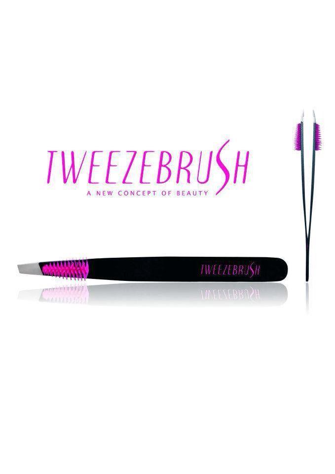 Tweezebrush è la nuova pinzetta che permette di pettinare e delineare perfettamente le sopracciglia senza mai perdere di vista il disegno desiderato.