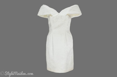 BLUME Off-the-Shoulder Ivory Evening Dress Size 6 at http://stylemaiden.com
