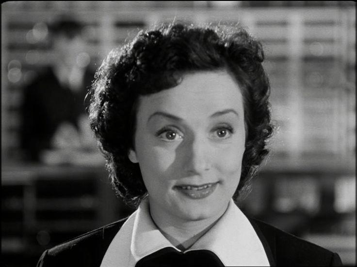 som Grete Petersen, i Rekrut 67 Petersen fra 1952.
