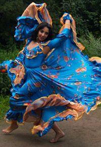 Gypsy dance... @ivannairem .. https://tr.pinterest.com/ivannairem/dance-dance-dance/