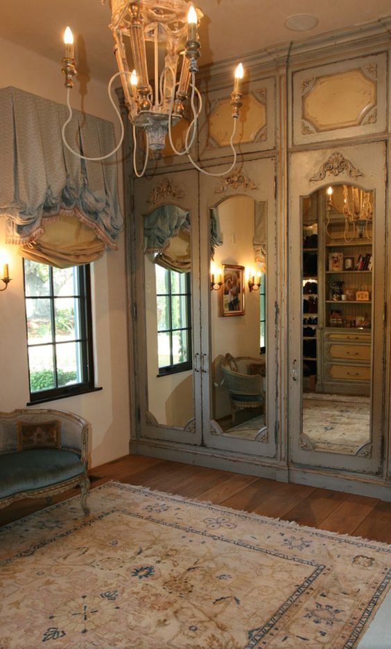 Best 25 mirrored closet doors ideas on pinterest mirror - Master bedroom closet door ideas ...