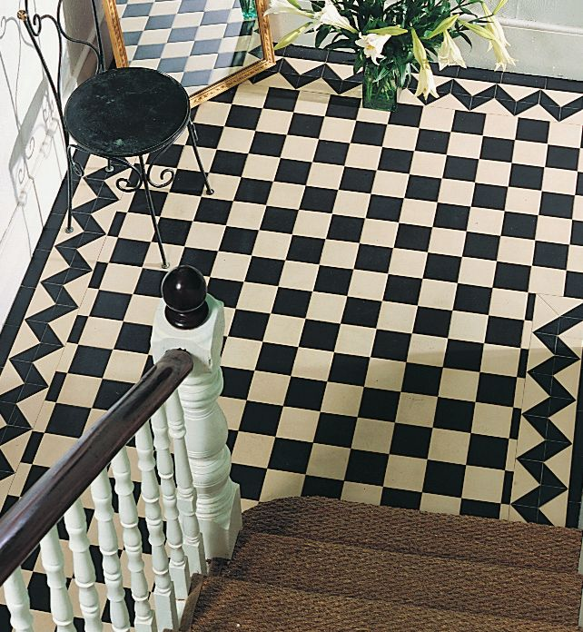 Victorian Floor Tile Wellington Pattern with modified Shelley border in  Black and White