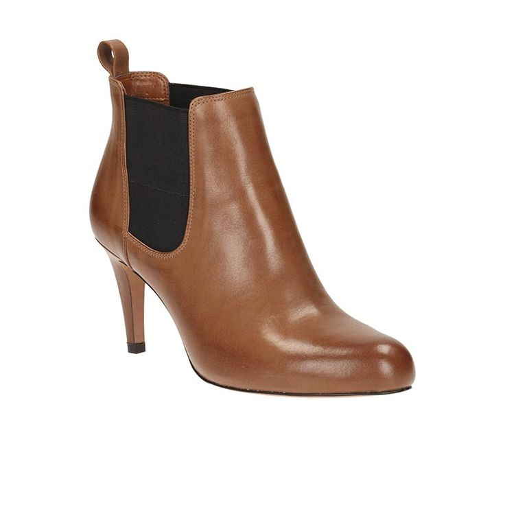 Carlita Quinn by Clarks Taupe leather  € 100