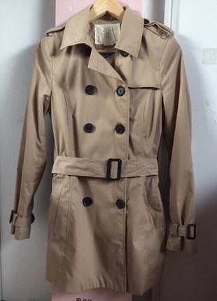 À vendre sur #vintedfrance ! http://www.vinted.fr/mode-femmes/autres-manteaux-and-vestes/26653276-trench-beige-a-ceinture-stradivarius