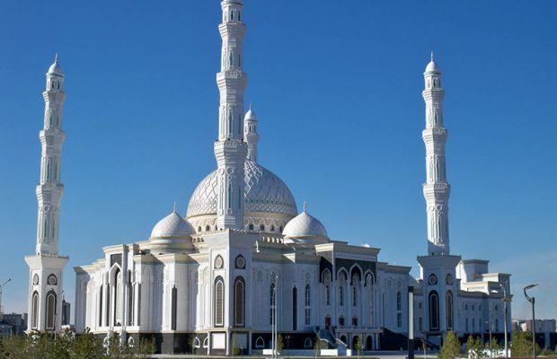 Мусульман Казахстанса поздравили с праздником Ораза айт - Today.kz