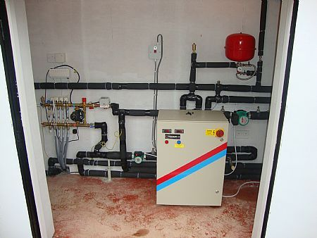 43 best ground source heat pumps images on pinterest for Best heating source for home