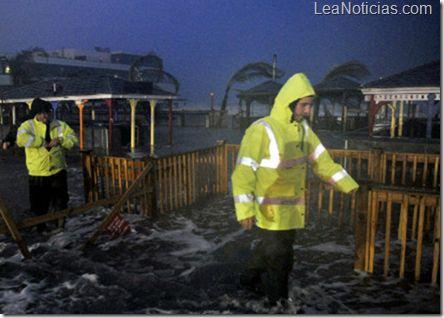 Declaran zona de desastre reas de NY y Nueva Jersey impactadas por Sandy - http://www.leanoticias.com/2012/10/30/declaran-zona-de-desastre-reas-de-ny-y-nueva-jersey-impactadas-por-sandy/