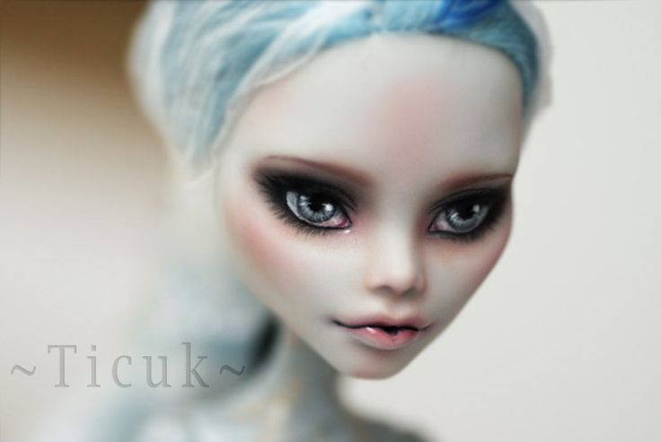 https://flic.kr/p/CCup6u | Monster High Ghoulia | Monster High custom commission face up