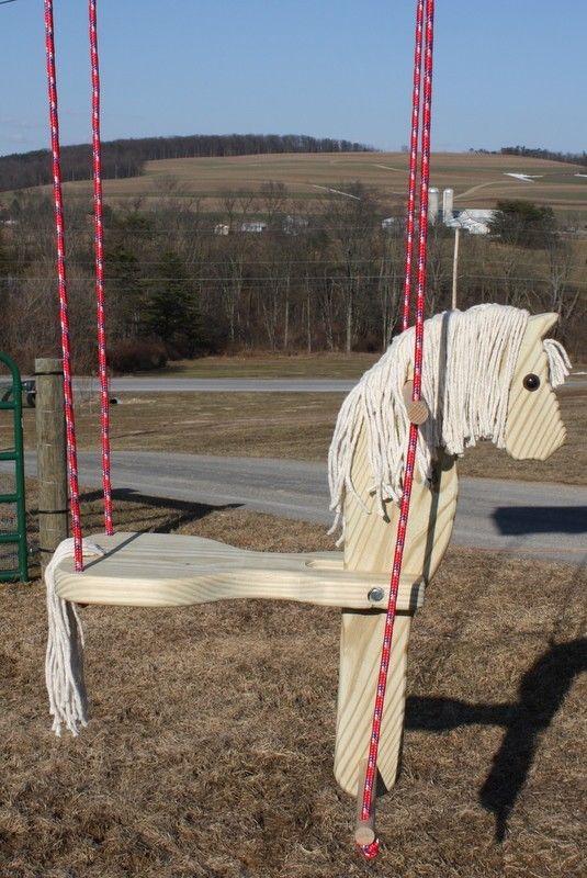 Ce cheval est prêt à fournir à votre enfant des heures de plaisir de léquitation en plein air ! Suspendre votre porche ou un arbre robuste ou rendez-le amusant addition à un existant swing set ! Issus de traités 2 par 12 assurer une longue durée vie. Le siège est à environ 20 de long et la tête est environ 30 de haut de haut en bas. Votre enfant sera en mesure de rouler par his\ / se faire sur le fait que la tête de cheval bascule en arrière en poussant et en tirant sur les poignées causant…