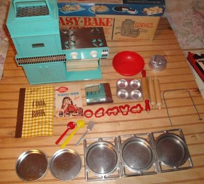 Vintage 1960's Kenner Easy Bake Oven in Box w Accessories Works Great Complete | eBay