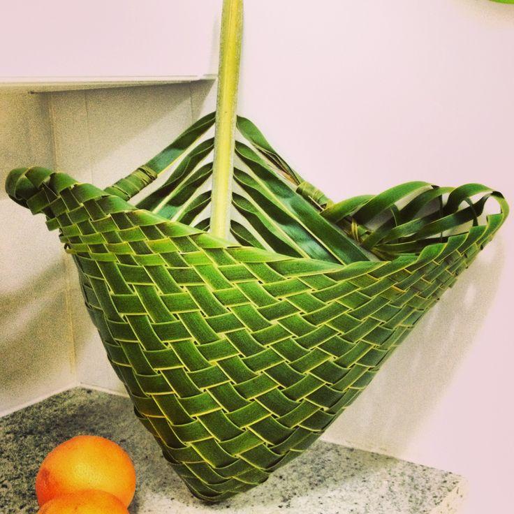 DIY, coconut leaf basket