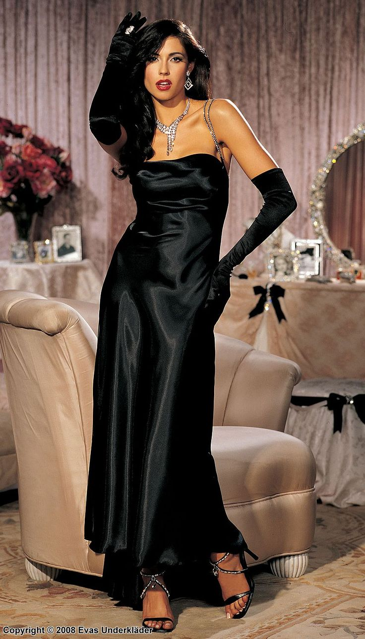 Black gloves for gown - Dressed For The Night