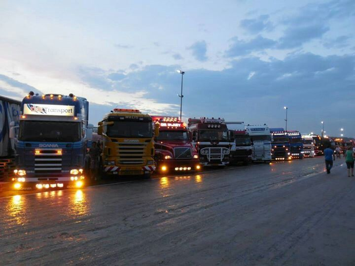 Ons rijtje op t Truckstar festival