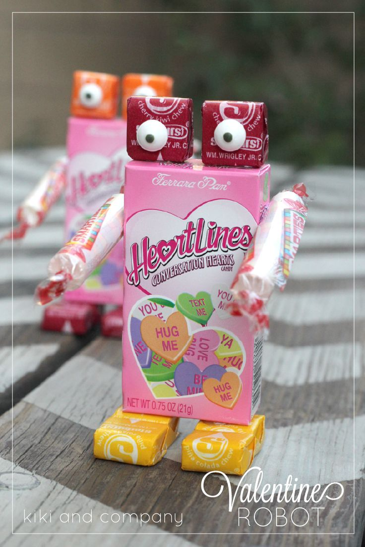 Easy and cute Valentine Robot. My kids will have so much fun making these!