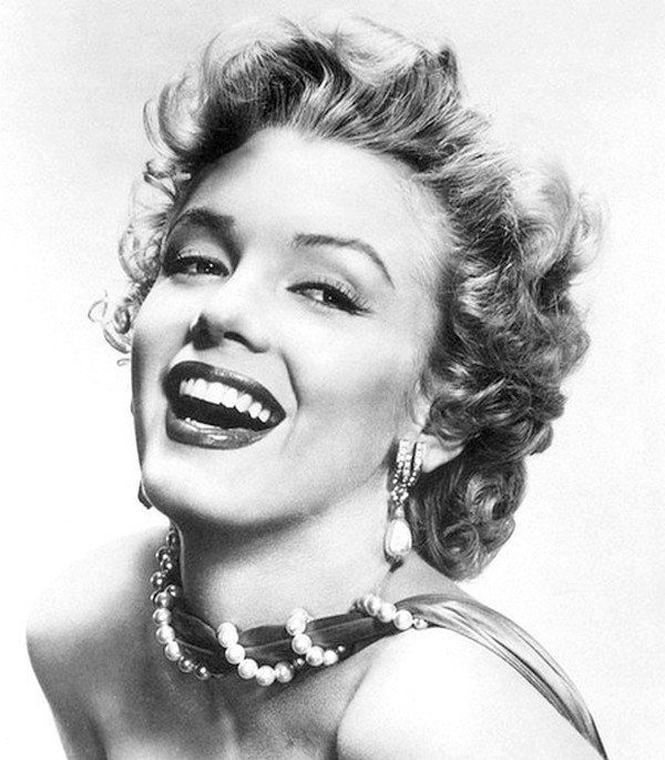 marilyn monroe picture black and white