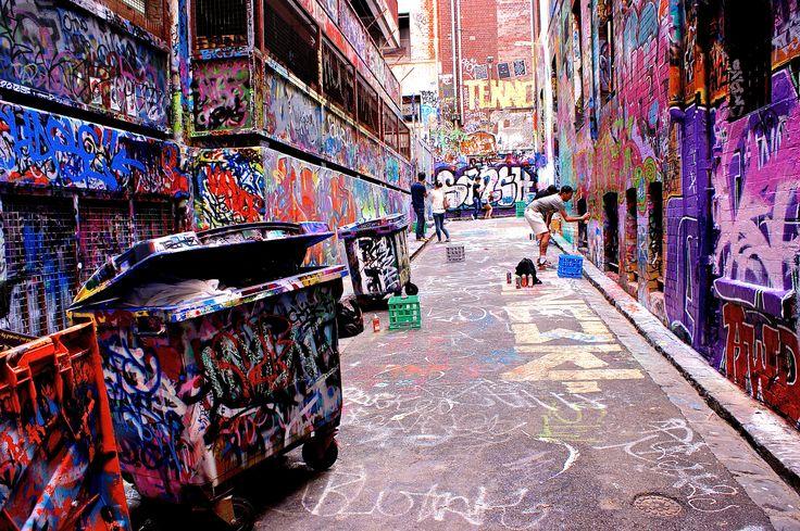 Hosier Lane, à Melbourne. Lieu de rendez-vous des graffeurs. Plusieurs ruelles aux alentours sont entièrement consacrées à la libre expression des artistes.