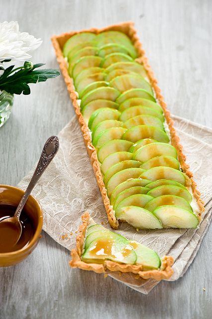 Beautifully inviting Fresh Green Apple and Caramel Tart. #tart #apple #food #dessert #caramel #autumn #fall