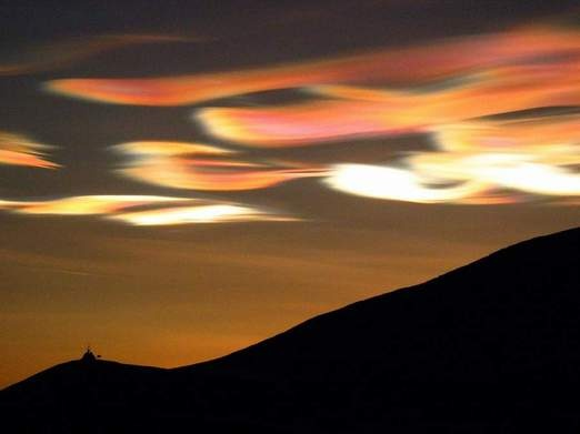nacreous clouds.: Beauty Clouds, Clouds Formations, Curious Clouds, Mothers Nature, Rare Clouds, Clouds Pictures, Stratosph Clouds, Amazing Clouds, Nacreous Clouds