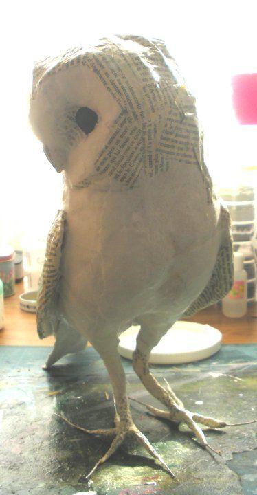 Ma technique:       Mes sculptures sont réalisées en papier modelé, sur une armature en acier ...
