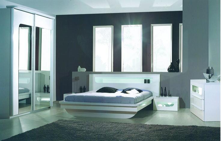 une chambre coucher blanc laqu avec des leds de couleurs pour - Chambre A Coucher Blanc Laque
