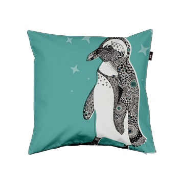 It's a goddam pengin on a goddam pillow! | via Envelop