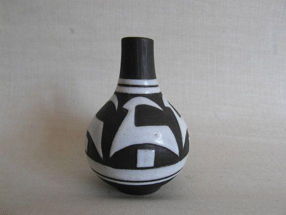 Michael Andersen pottery  NEGRO SERIES  small vase