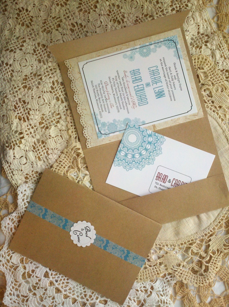 Love how this has its own pocket for extra details (RSVP, etc).   lovely vintage invites