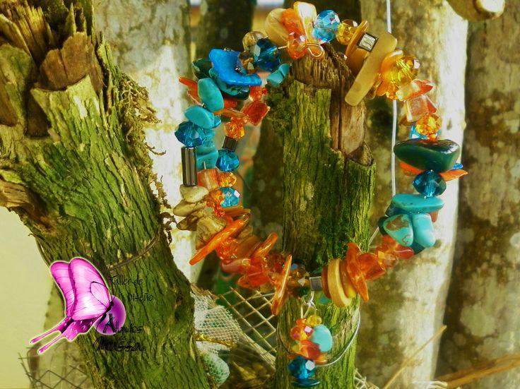 Colección Camaleón 2015! Taller de Diseño Atavíos de la Mussa !!Brazalete en piedras semipreciosas,cristales de murano,plata,tagua,madera,puca,chaquiras,nacar.